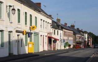 Conteville (Eure) Le bourg et l'activité commerciale