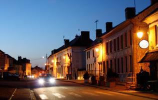 Conteville (Eure) Le bourg de nuit