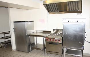 Conteville (Eure) La salle Rever - Cuisine